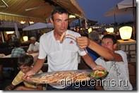 Ресторан Амфора. Изобилие блюд из рыбы и морепродуктов. Владик Серафимов, Тимофей Кобец, Максим Никаноров.