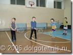 Занятия секции тенниса в спортзале школы №5. Январь 2006 г. Долгопрудный