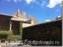 Толедо. Внутренний дворик средневекового испанского дома.