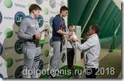 Победителей награждает Главный судья Турнира Никаноров Александр Владимирович.