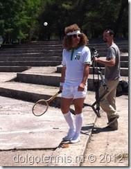 Участник фестиваля ретро-тенниса.