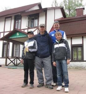 Дима Кураксин и Кирилл Баранов с тренерами Драженом (Хорватия) и Денисом Романовым (ДТА)