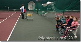 А.В.Никаноров наблюдает за игрой своих воспитанников Руслана Ибраимова и Марианы Мосидзе