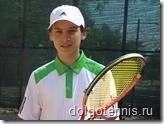 Теннис в Долгопрудном. Никита Иванченко на грунтовом корте 7 июня 2011 года